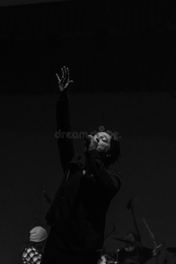 Vocalista de la palabra viva foto de archivo