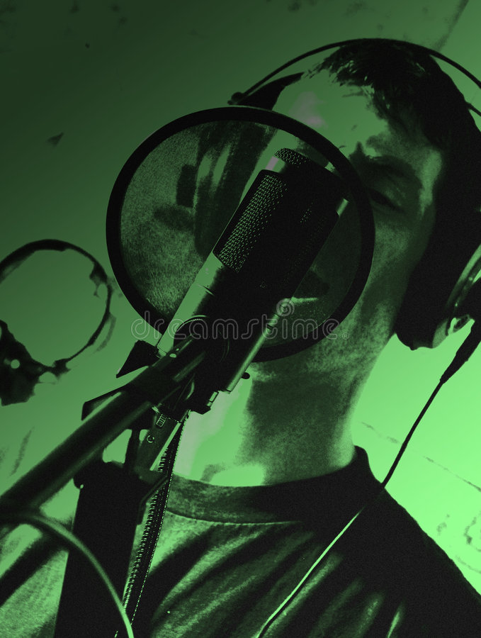 Vocalista do estúdio imagem de stock royalty free