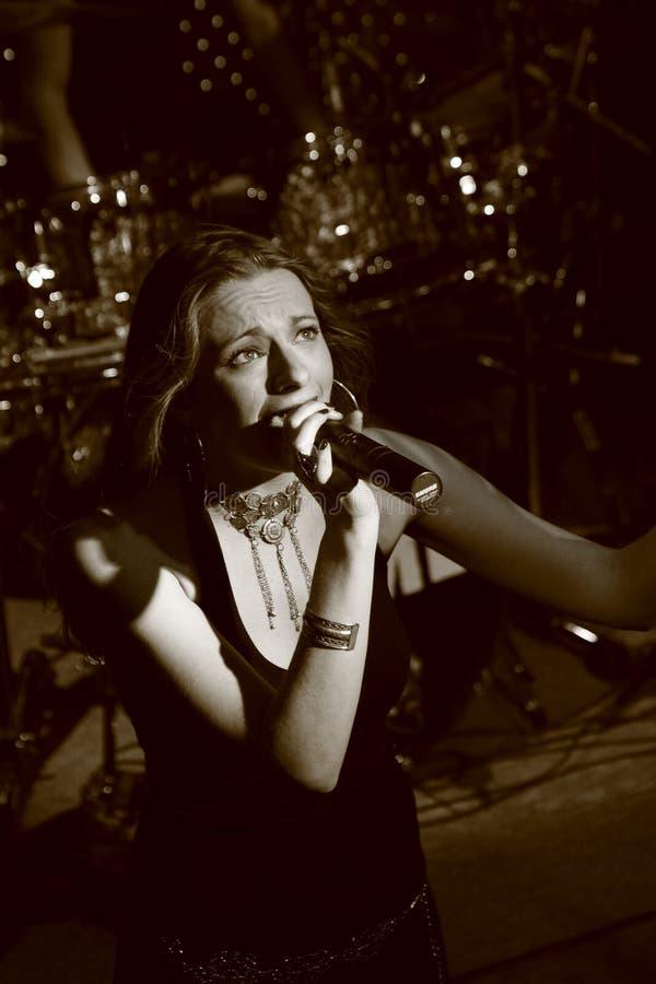 Vocalista fêmea Hadassa fotos de stock