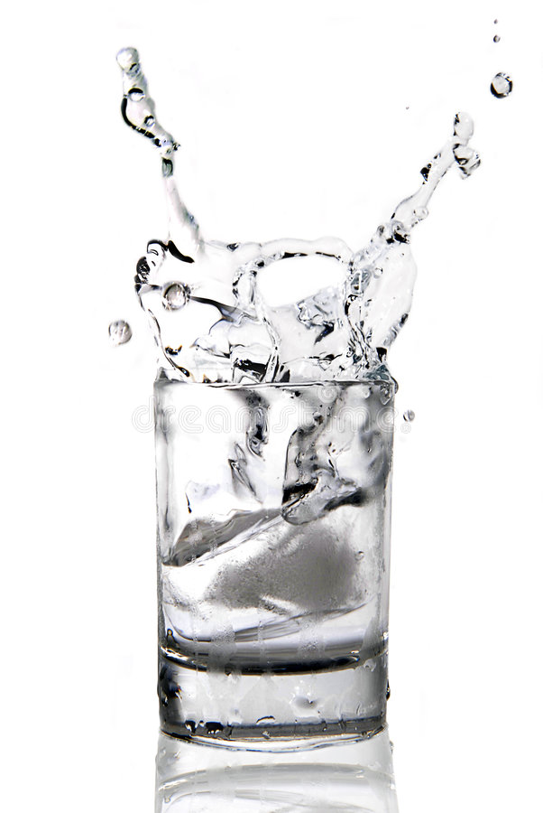 Vodca com um gelo fotos de stock