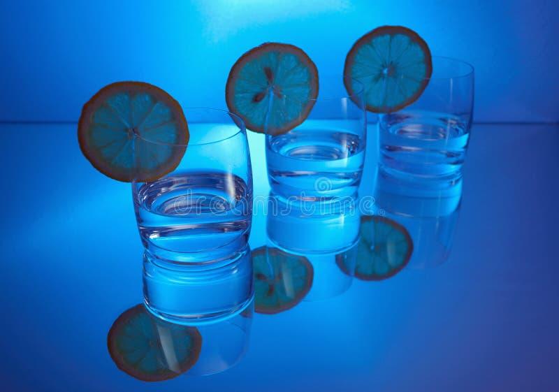 Vodka con il limone fotografia stock libera da diritti