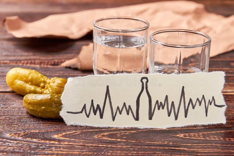 Vodka i genomskinliga glass skott fotografering för bildbyråer