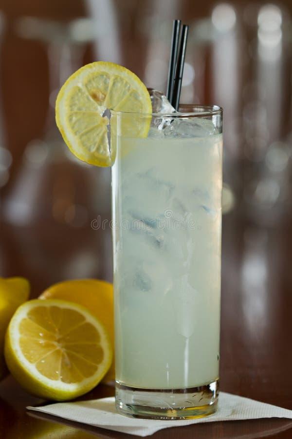 Vodka och lemonad arkivbild