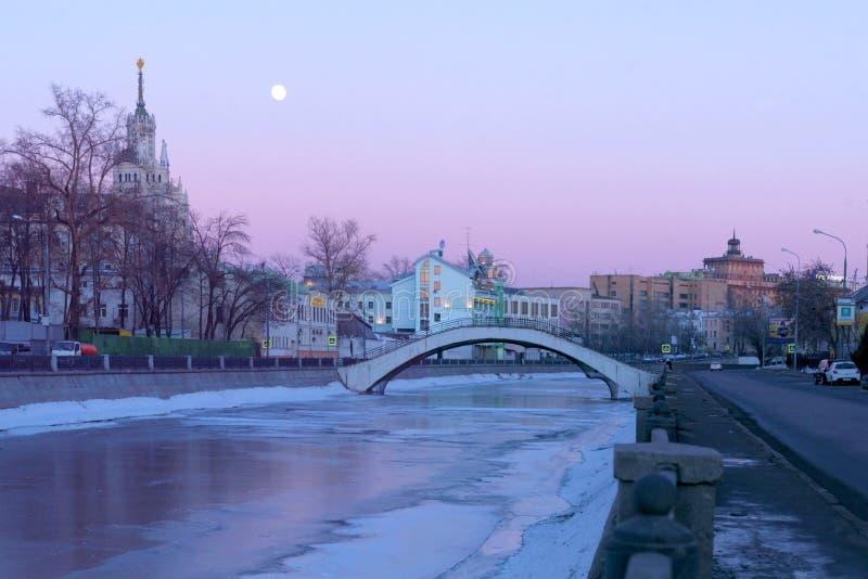 Vodootvodny kanal, Ryssland, Moskva arkivfoto