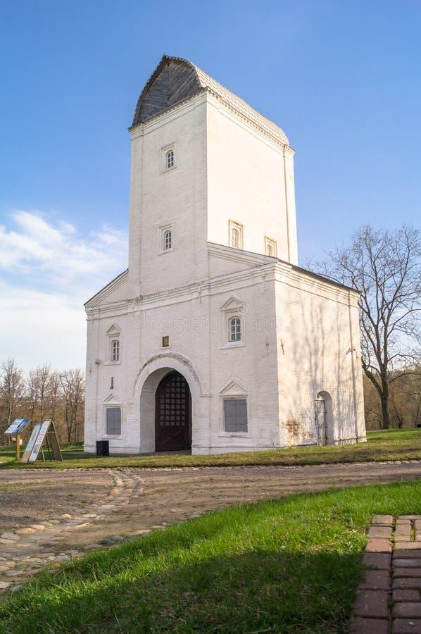 Vodovzvodnaya在博物馆庄园Kolomenskoye的水塔 库存照片