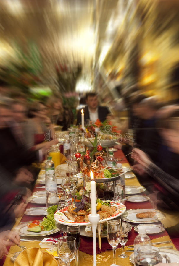 Voedsel bij banketlijst royalty-vrije stock fotografie