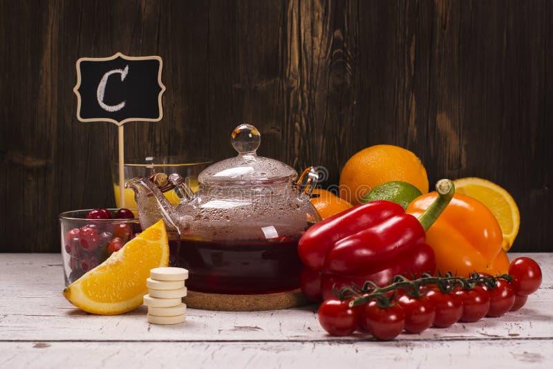 Voedsel en drankenrijken van natuurlijke vitamine C stock foto