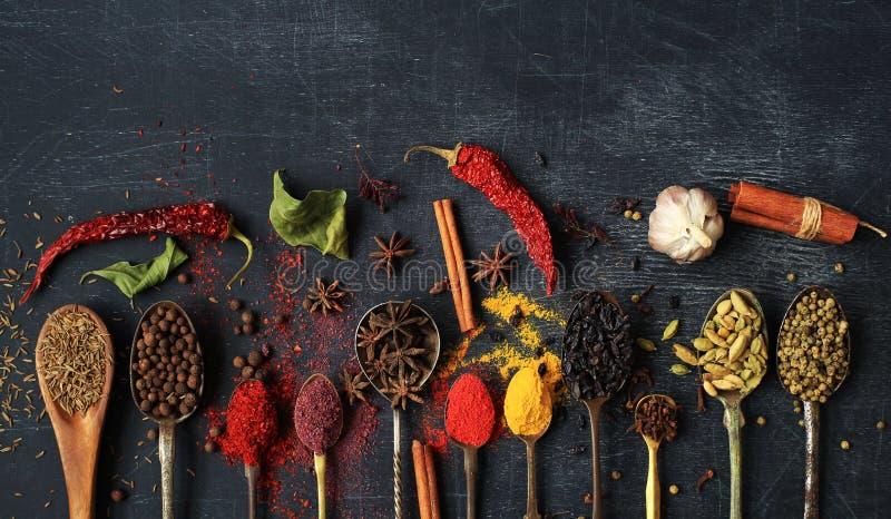Voedsel en kruiden royalty-vrije stock afbeelding