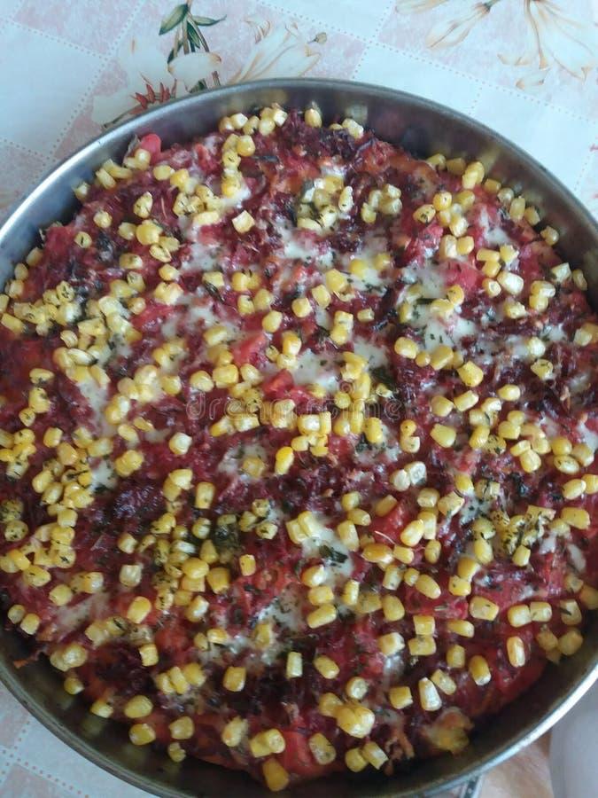 Voedsel Het heerlijke eigengemaakte koken schotel Pizza met vlees stock foto's