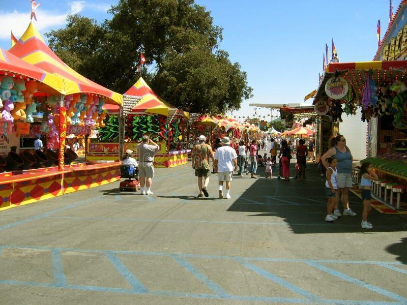 Voedsel, Spelen en Ritten, de Markt van de Provincie van Los Angeles, Fairplex, Pomona, Californië stock fotografie