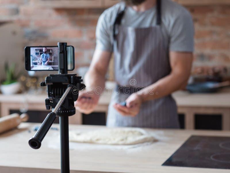 Voedsel van de de telefooncamera van de technologie het videospruit blogger royalty-vrije stock fotografie