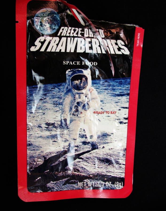 Voedsel verpakking voor astronauten in Umevatoriet stock foto