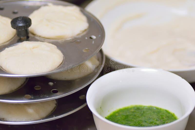 Voedselachtergrond van Indisch beroemd straatvoedsel Idli stock afbeeldingen