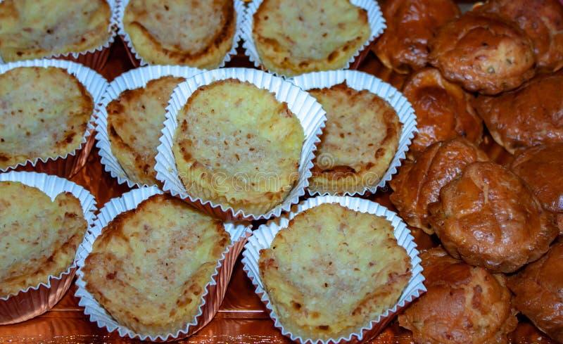 voedselfotografie, detail van dienblad van smakelijke pastei perfect voor partijen of snacks royalty-vrije stock fotografie