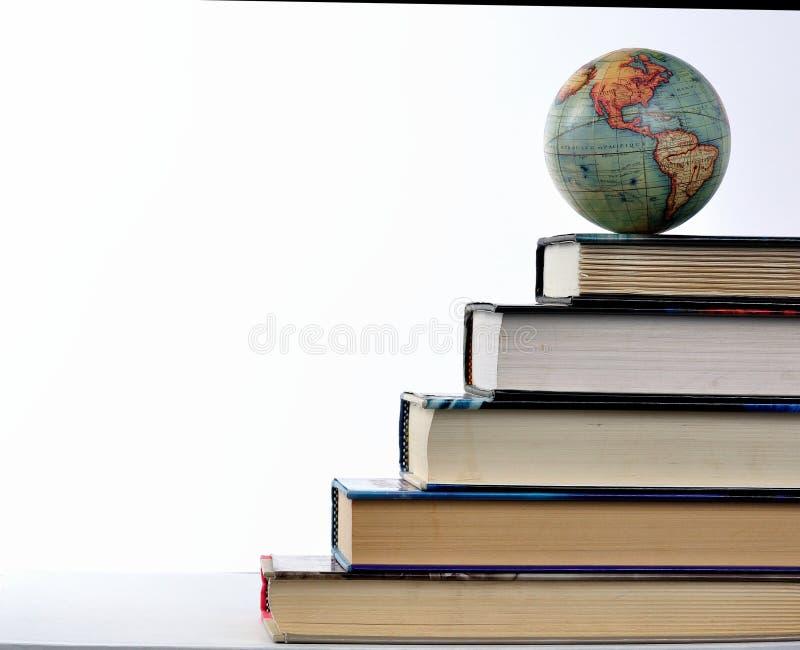 Voer in de wereld op, lees stock afbeeldingen