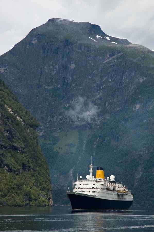 Voering in fjord royalty-vrije stock afbeeldingen