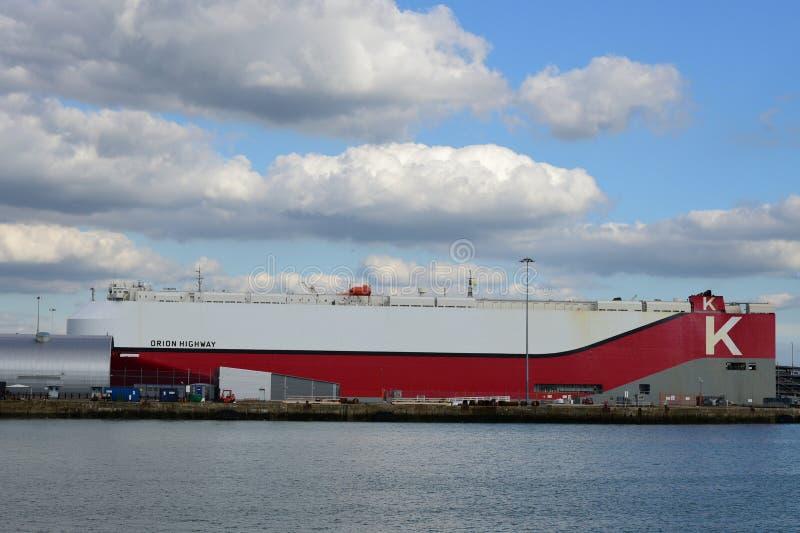Voertuigdrager Orion in Southampton stock afbeeldingen