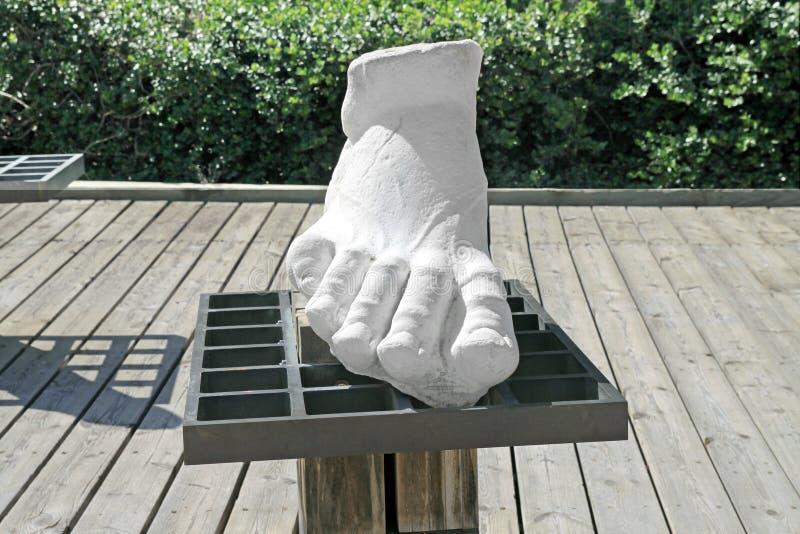 voet Fragment van een marmeren standbeeld in Caesarea stock foto's
