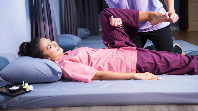 Voet, kalf, en been Thaise massage royalty-vrije stock foto