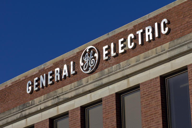 Voet Wayne, BINNEN - Circa December 2015: General Electric-Fabriek stock foto