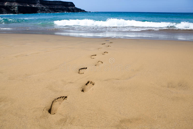 Voetafdrukken in het zand royalty-vrije stock fotografie