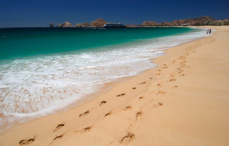 Voetafdrukken in het Zand in Cabo stock afbeeldingen