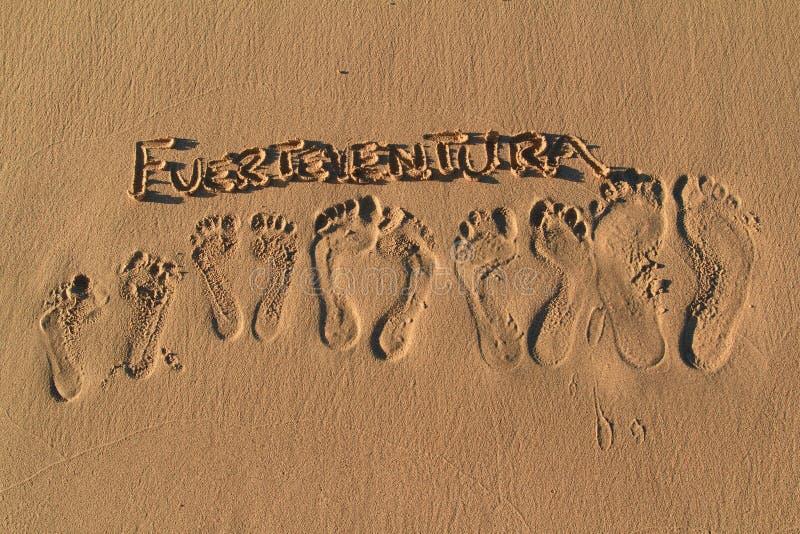 Voetafdrukken op het strand, de Canarische Eilanden van Fuerteventura- royalty-vrije stock fotografie