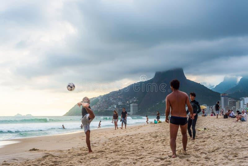 Voetbal in Rio stock foto