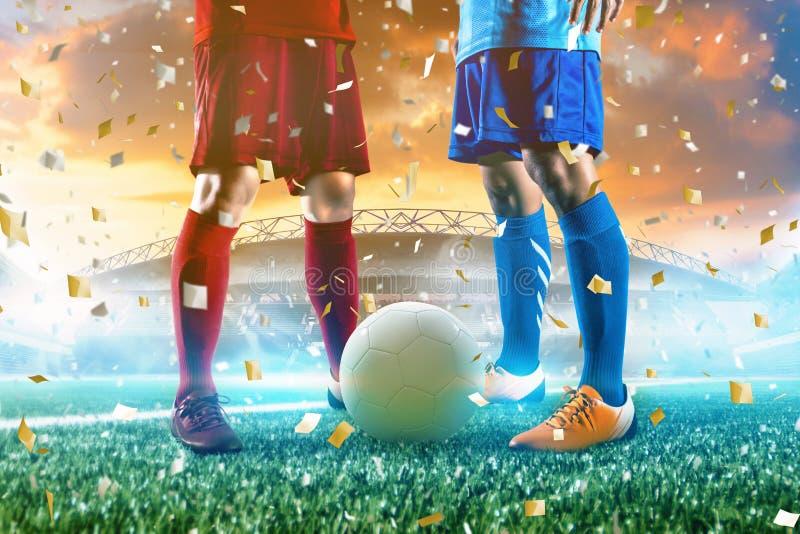 Voetballer in de bal van de actieschop bij stadion royalty-vrije stock foto