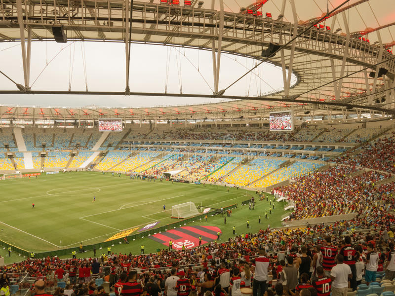 Voetbalspel bij Nieuw Maracana-Stadion - Flamengo versus Criciuma - Rio de Janeiro stock fotografie