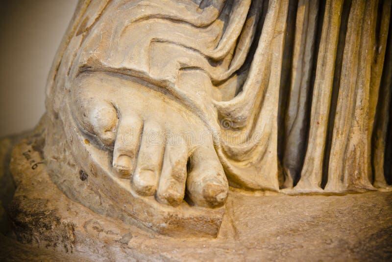 Voetdetail van een roman standbeeld - over 2000 jaar geleden royalty-vrije stock foto's