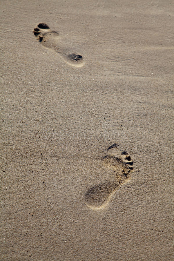 Voeten Die Op Het Strand Lopen Royalty-vrije Stock Fotografie