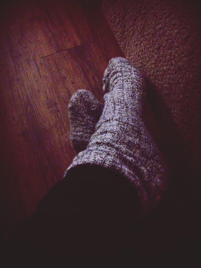 Voeten in sokken royalty-vrije stock foto