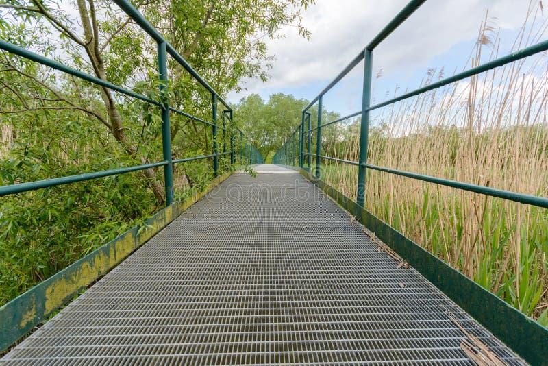 voetgangersbrug stock foto