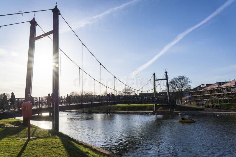 Voetgangersbrug, Exeter, Devon, Engeland, het Verenigd Koninkrijk stock afbeelding