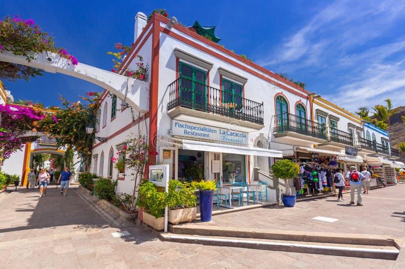 Voetsteeg op het havengebied van Puerto DE Mogan, Gran Canaria royalty-vrije stock afbeelding
