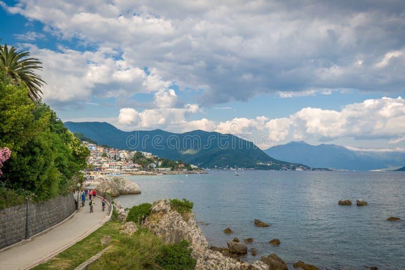 Voetweg in Herceg Novi stock afbeeldingen