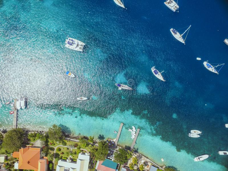 Vogel-Augen-Ansicht des tropischen Paradieses lizenzfreies stockbild