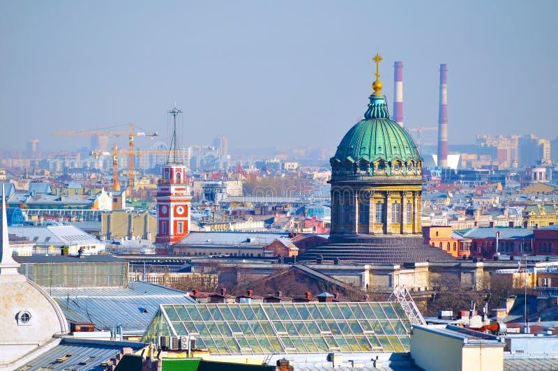 Vogel` s-oog meningspanorama van St. Petersburg, Rusland stock afbeelding