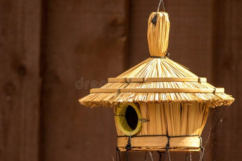 Vogelhütte lizenzfreie stockbilder