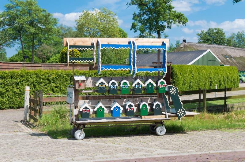 Vogelhuizen voor verkoop royalty-vrije stock afbeelding