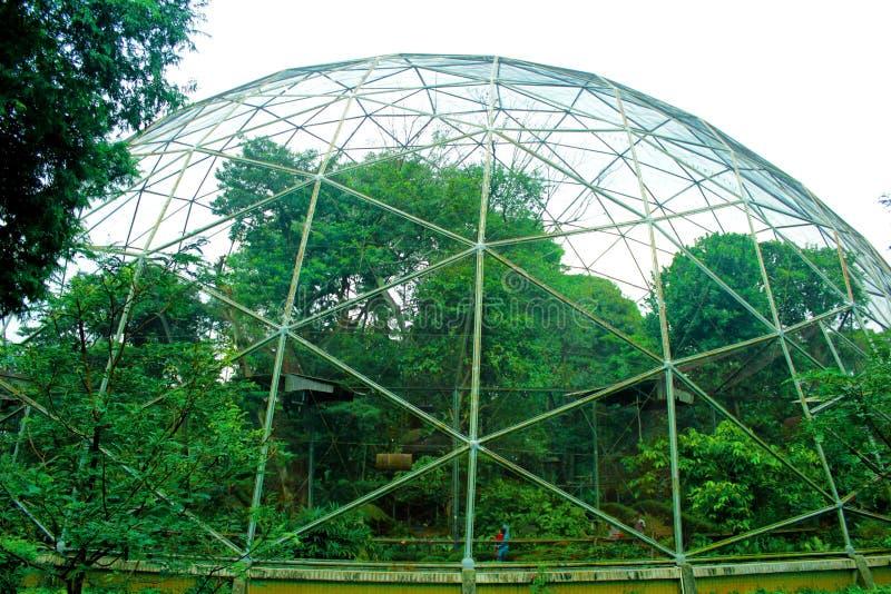 Vogelkooi Indonesië TMII stock afbeeldingen