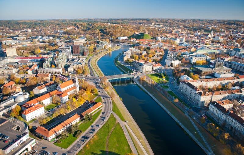Vogelperspektive alten Stadt und des Flusses Neris Vilnius stockfoto