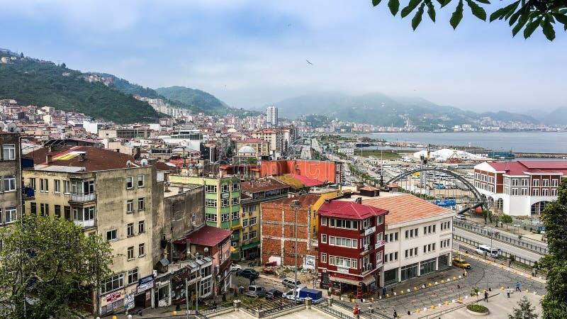 Vogelperspektive auf Stadt Giresun, die Türkei durch Schwarzes Meer lizenzfreies stockfoto