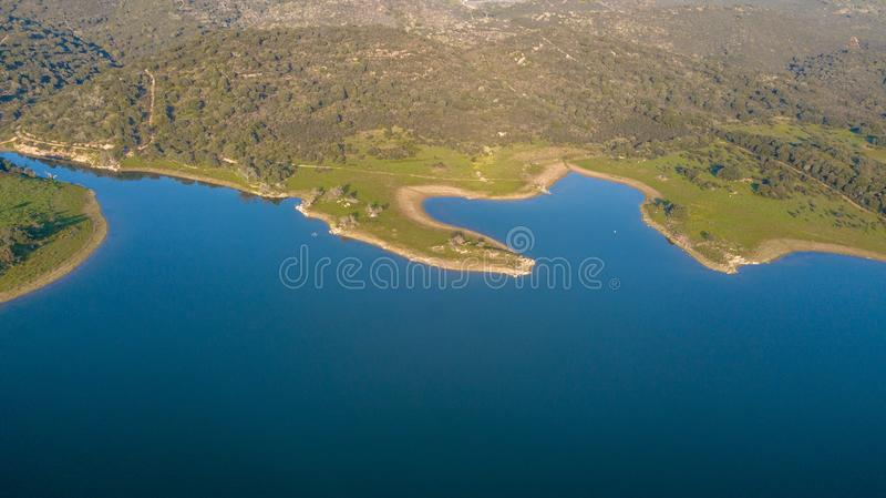 Vogelperspektive der Alqueva-Verdammung Monsaraz Alentejo Portugal stockfotos