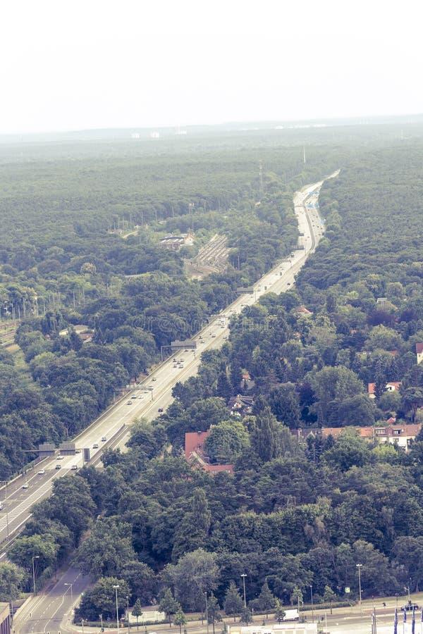 Vogelperspektive der Autobahn A100 in Berlin stockfoto