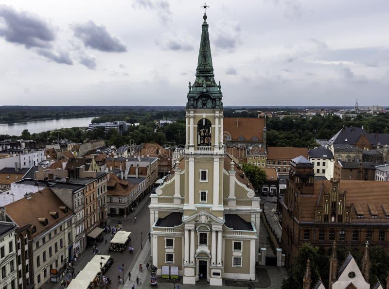 Vogelperspektive der Heiliger Geist Kirche - Torun, Polen lizenzfreie stockfotos