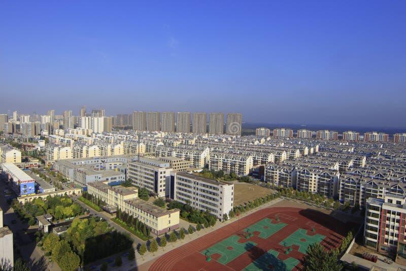 Vogelperspektive der Stadt stockbild