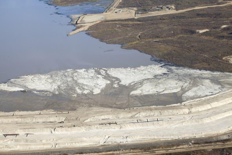 Vogelperspektive des Ölsandes Alberta lizenzfreies stockfoto