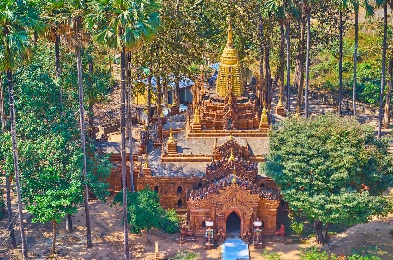 Vogelperspektive des Ananda-ähnlichen Tempels von Mahazedi Paya, Bago, Myanmar lizenzfreie stockbilder